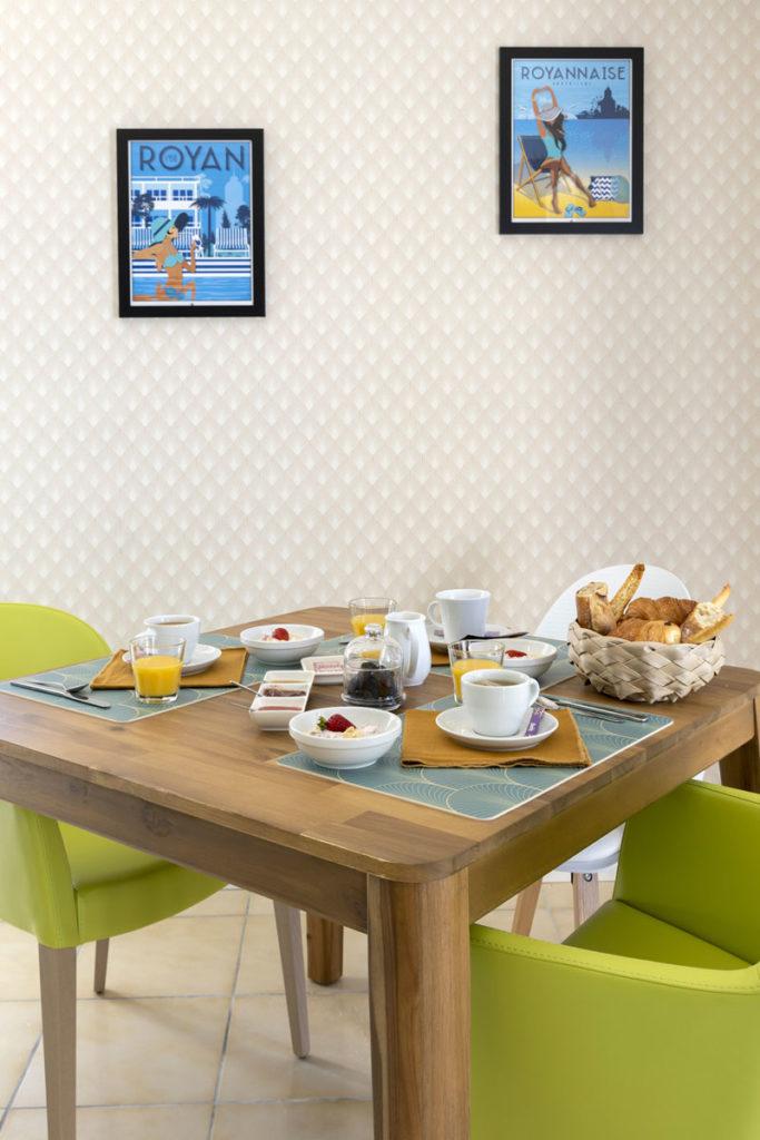 Petit déjeuner avec votre chambre d'hôtes